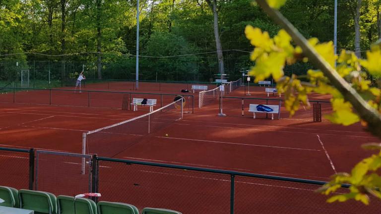 tennisanlage-1920x1080